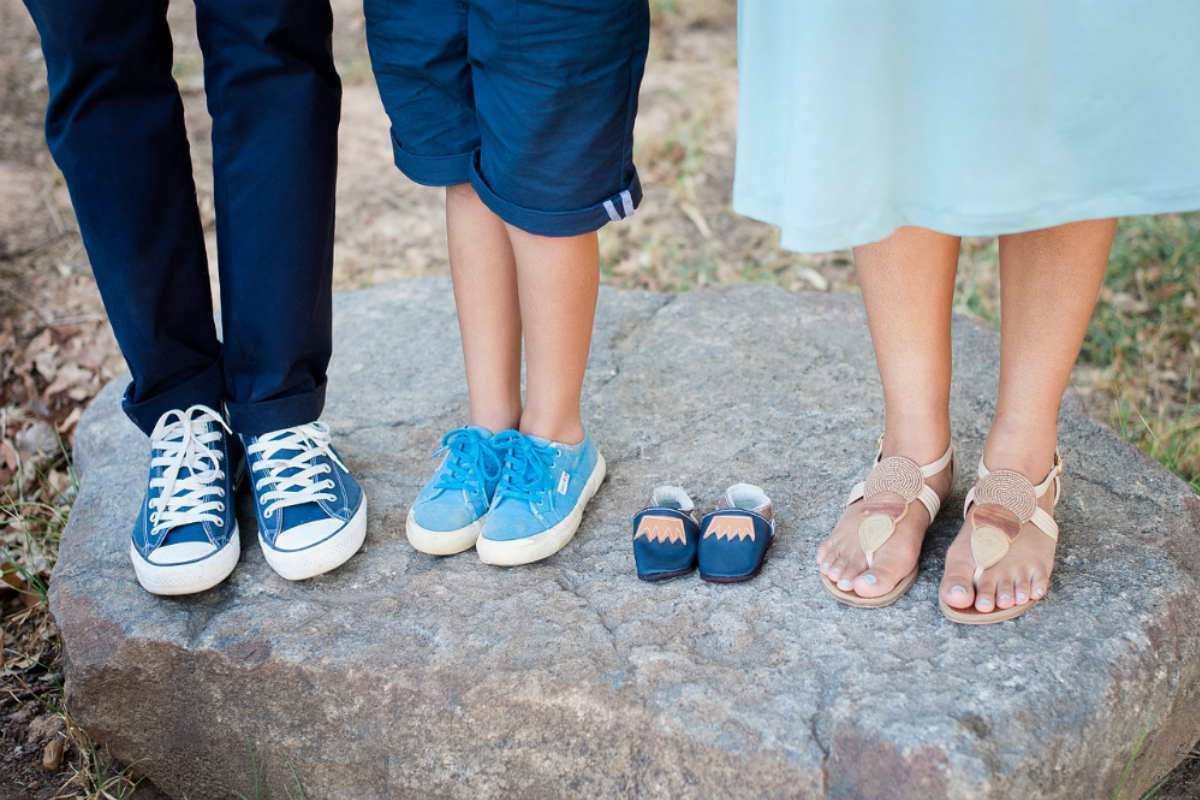 Selective focus family feet | Stunning Maternity Pictures, Ideas, And Photo Shoot Themes